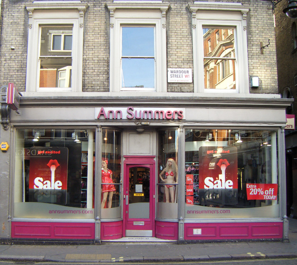 Ann Summers storefront. Image by Wikimedia user Tyrenius, GFDL and CC BY-SA.