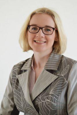 Laura Mitchell headshot